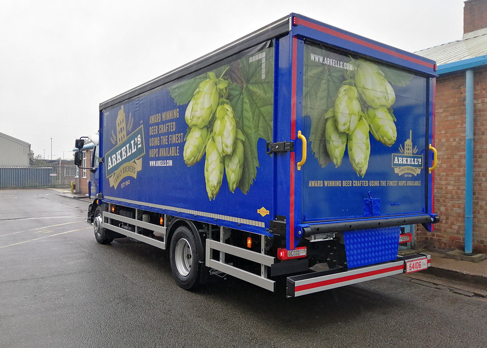 Cost-Effective Lorry Curtains for Clean Lines and Bold Designs