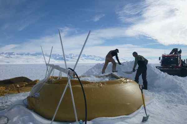 British Antarctic Survey Team Know Their Onions